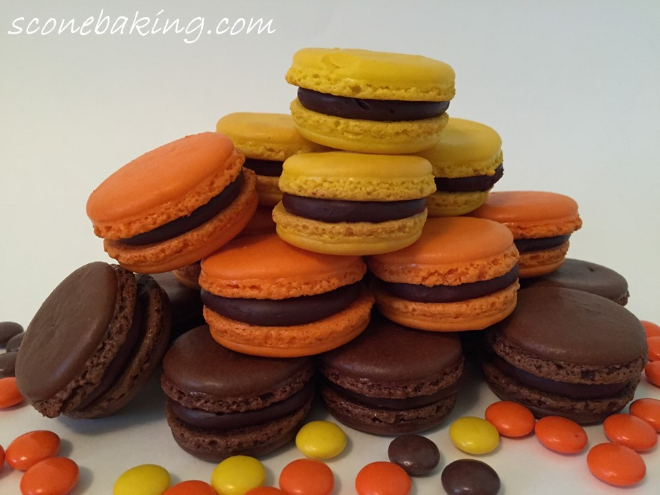 reeses pieces macarons